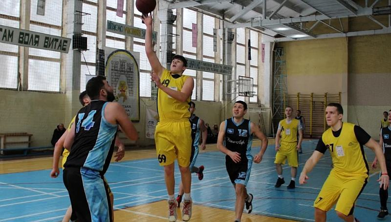 Роман Городечний: через похід на Еверест відмінив баскетбольні тренування