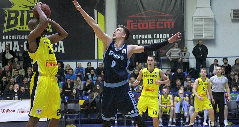Дніпро продовжив переможну серію в Одесі