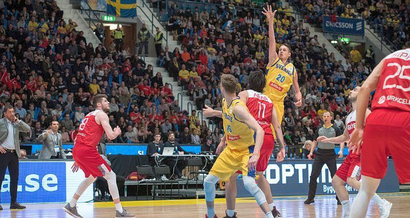 Лідер збірної Швеції не зіграє проти України