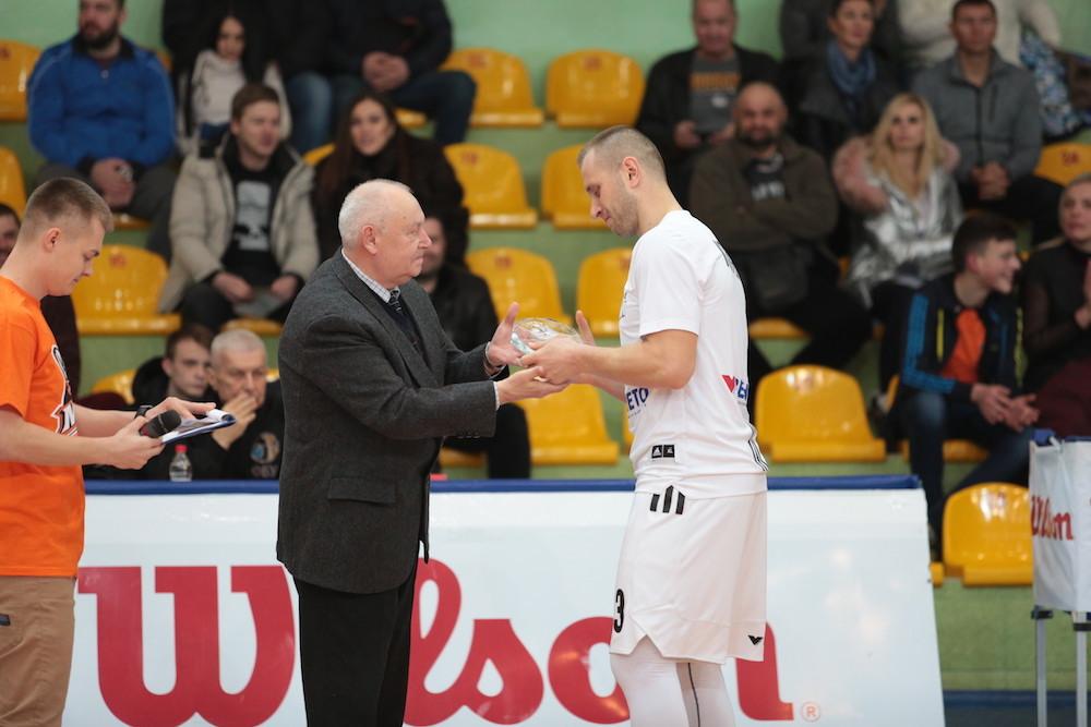 Олександр Кольченко отримав нагороду кращого гравця березня