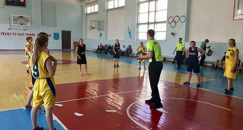На Хмельниччині відбувся юнацький чемпіонат з баскетболу