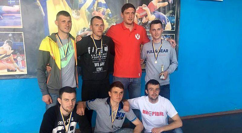 Аматори Рівненщини отримали нагороди від Сергія Ліщука