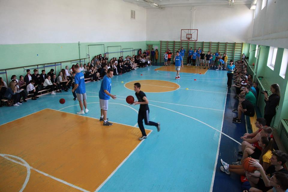 Бігмени Миколаєва провели майстерклас гімназистам: фотогалерея