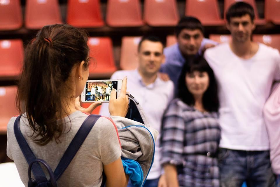 Баскетболісти Миколаєва зустрілися з уболівальниками: фотогалерея