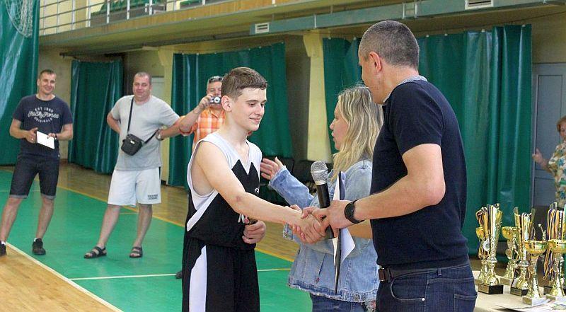 Завершено змагання в Відкритій шкільній баскетбольній лізі Львова