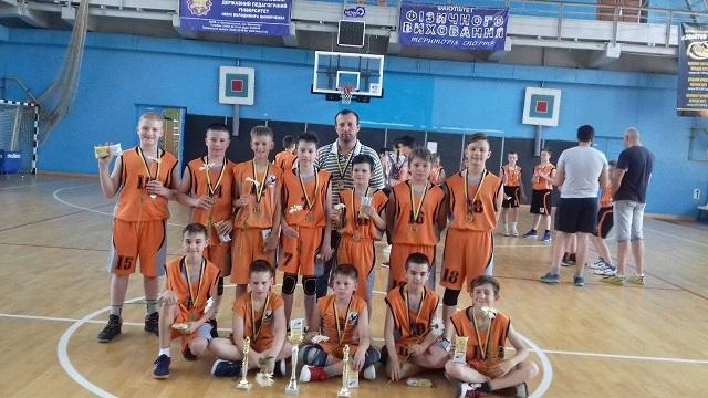 Юні баскетболісти Кропивницького вперше виграли Фінал чотирьох