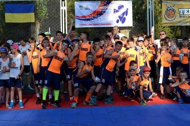 В Залізному Порту розпочався традиційний Фестиваль міні-баскетболу