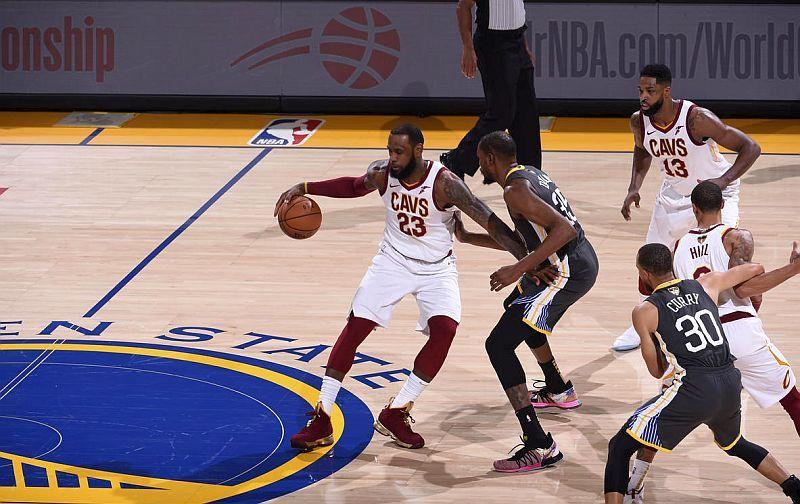 Найкращі моменти Леброна Джеймса на старті фіналу в НБА: відео