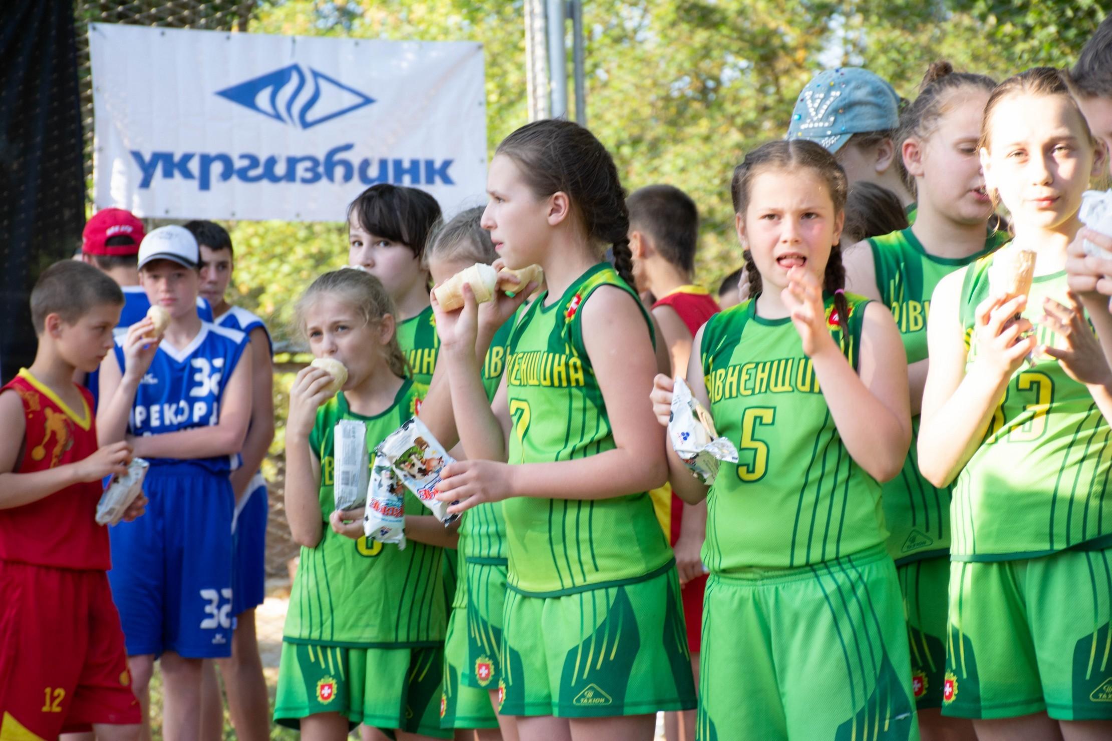 Свято міні-баскетболу у розпалі: фотогалерея