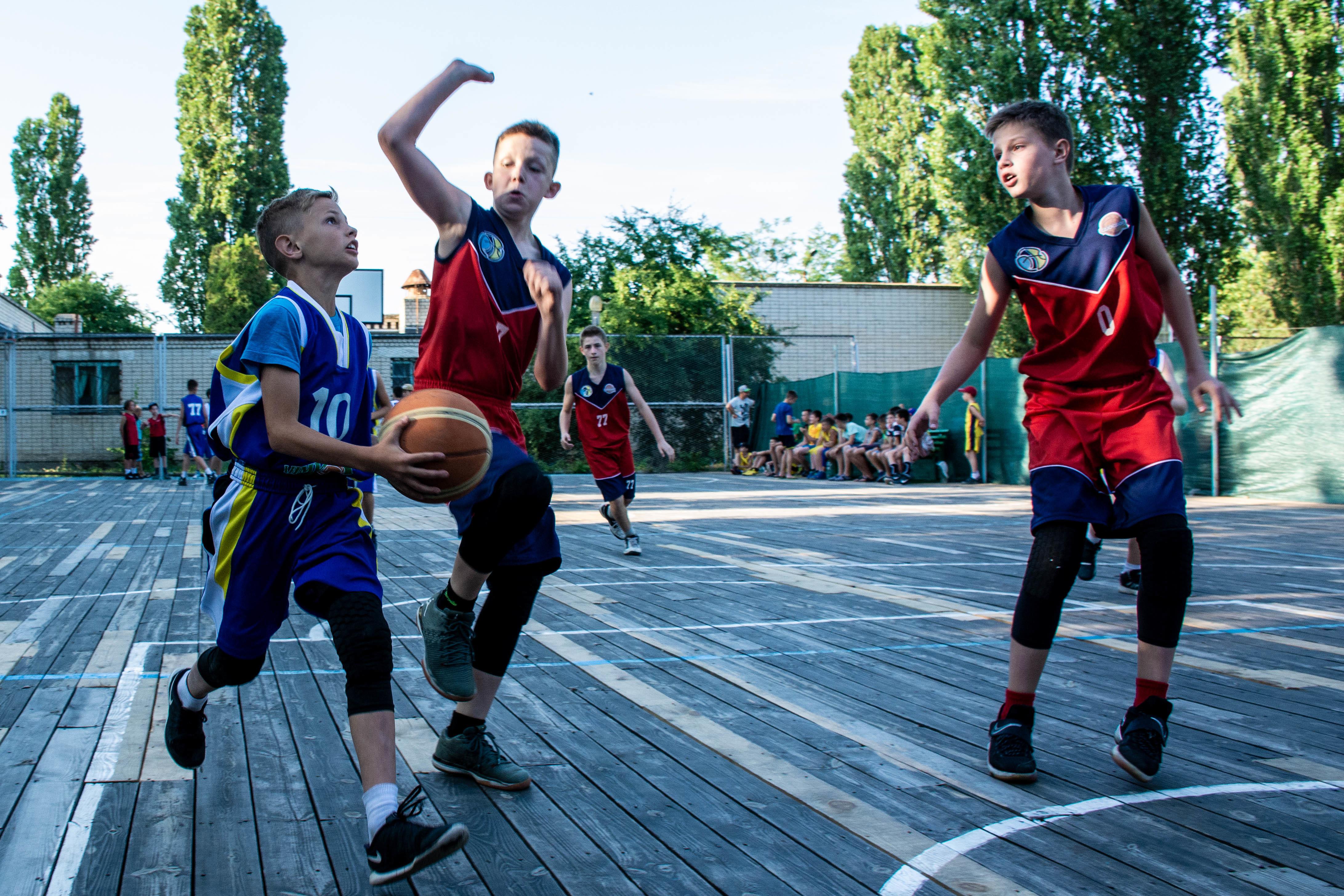 Фестиваль міні-баскетболу: сюрпризи і закономірності другого дня