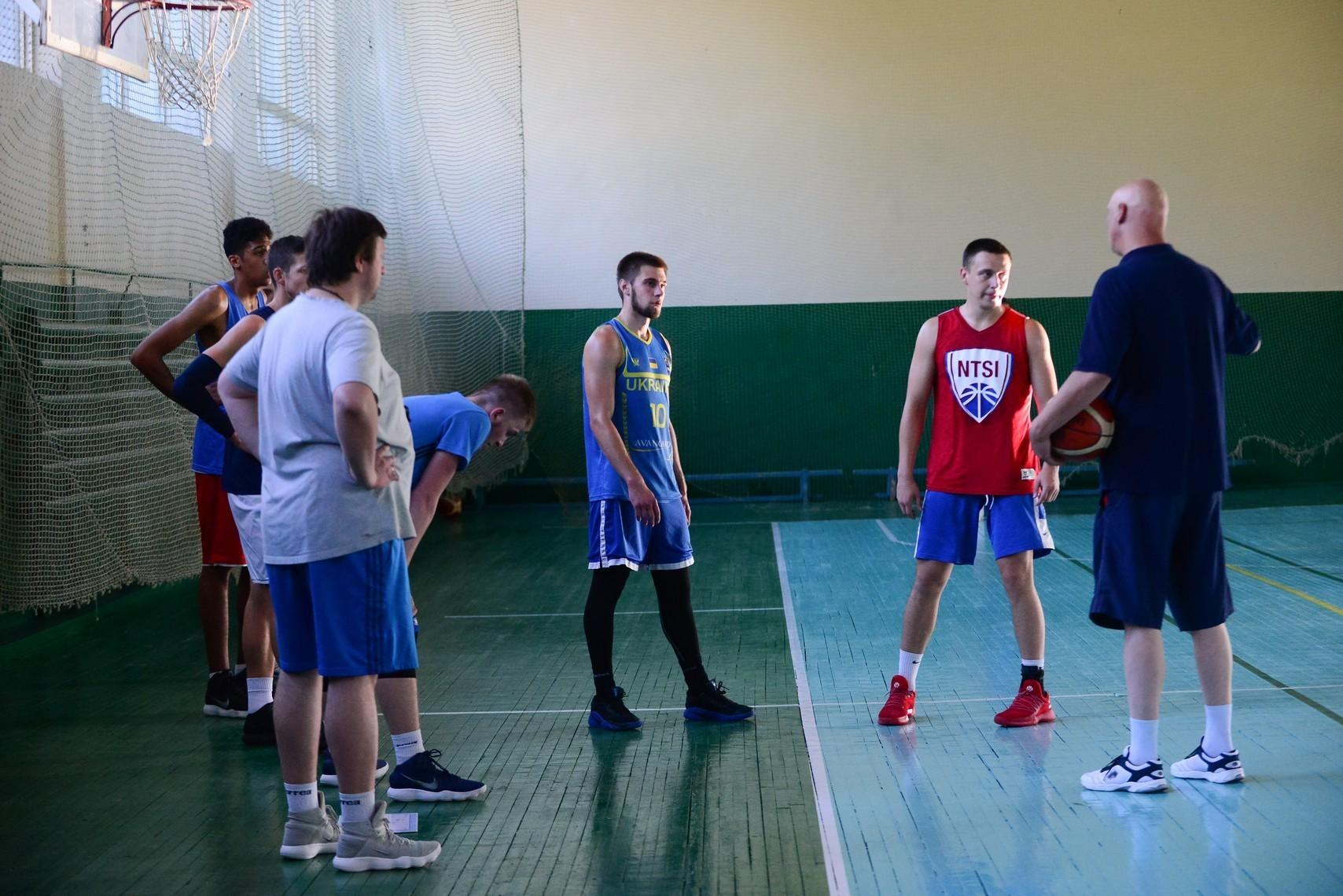 Склад молодіжної збірної України на сьогоднішній поєдинок з білорусами