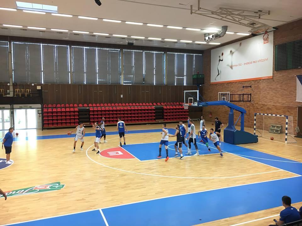 Збірна України провела вечірнє тренування напередодні матчу з Чехією