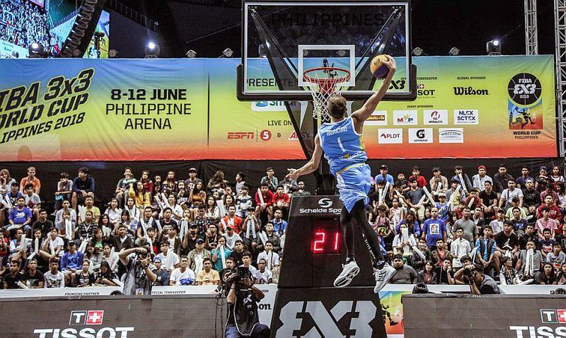 Найкращий данкер світу відвідав змагання юних баскетболістів Києва: відео