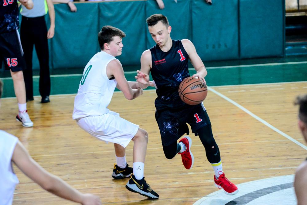 Валентин Мельничук: тренуємо дриблінг 1 проти 2