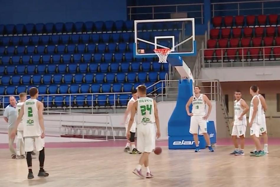 Баскетболісти Запоріжжя познайомились з оновленою ареною Юність