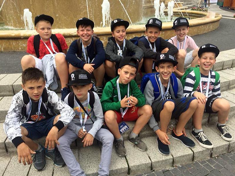 Юні українські баскетболісти грають на турнірі в Угорщині