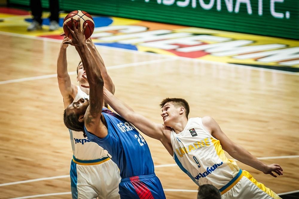 Збірна України програла в боротьбі за топ-10 чемпіонату Європи: фотогалерея
