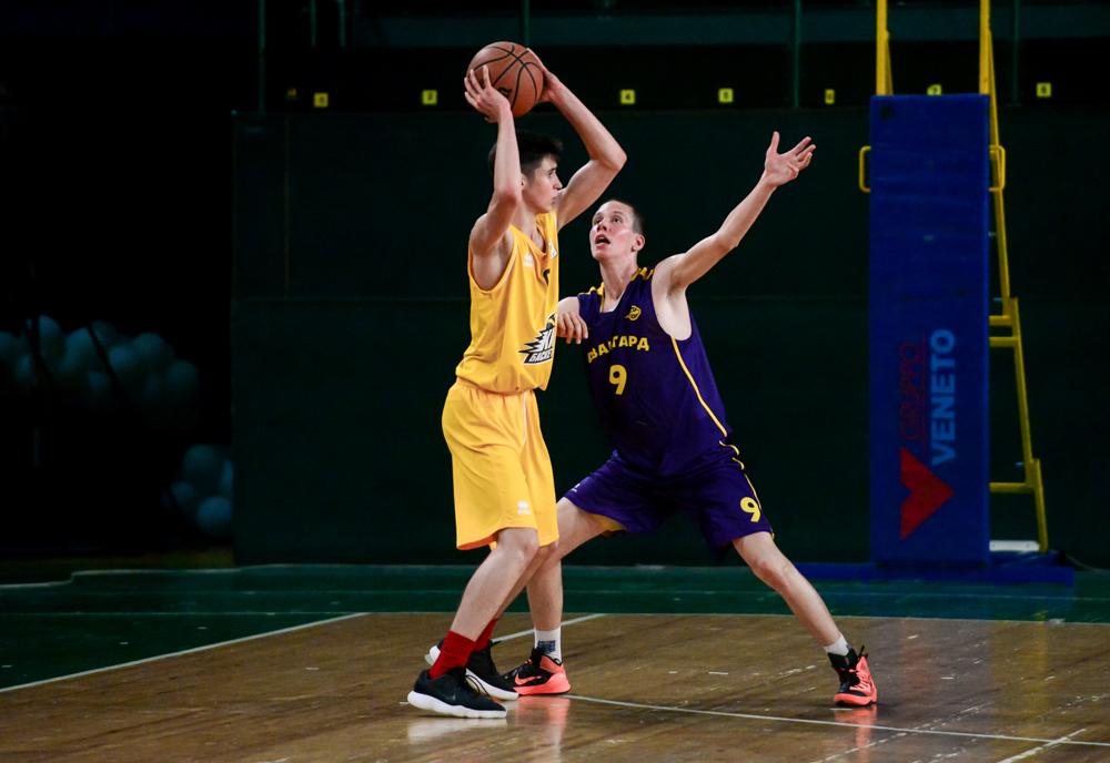 5 баскетбольних вправ для руху м'яча за допомогою передач