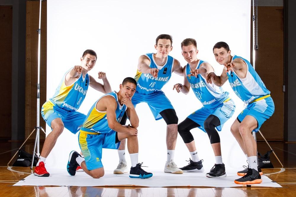 Збірна України на чемпіонаті Європи U-18: фотогалерея