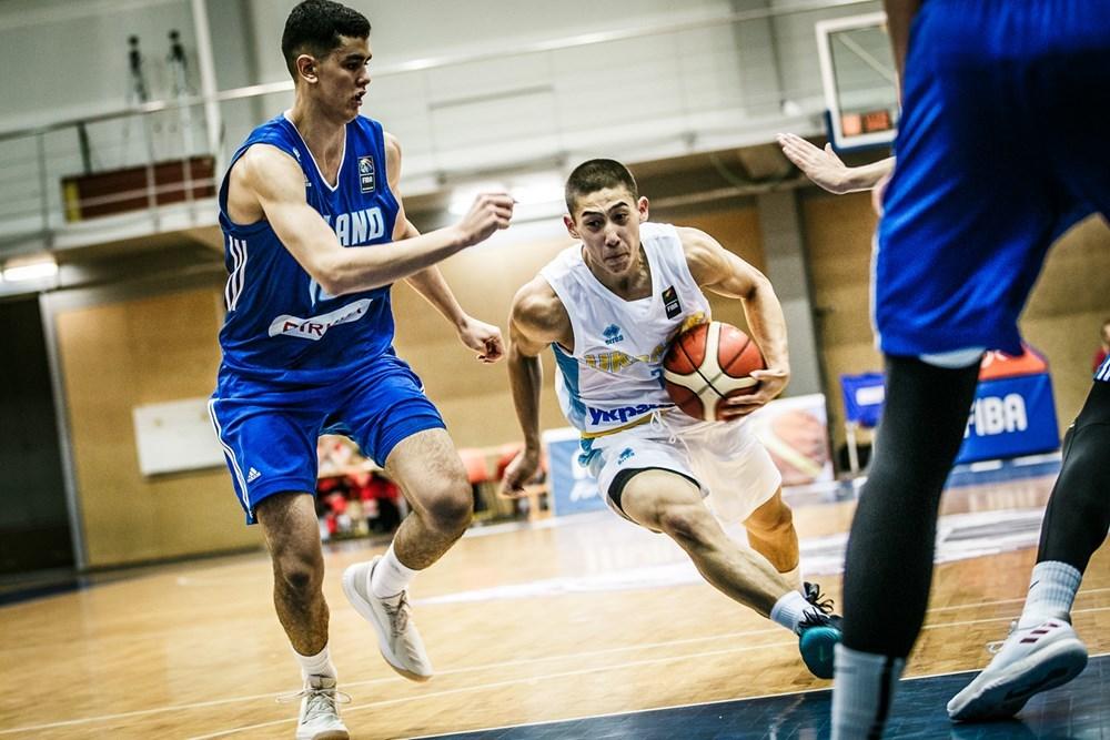 Україна U-18 стартувала на чемпіонаті Європи матчем проти Фінляндії: фотогалерея