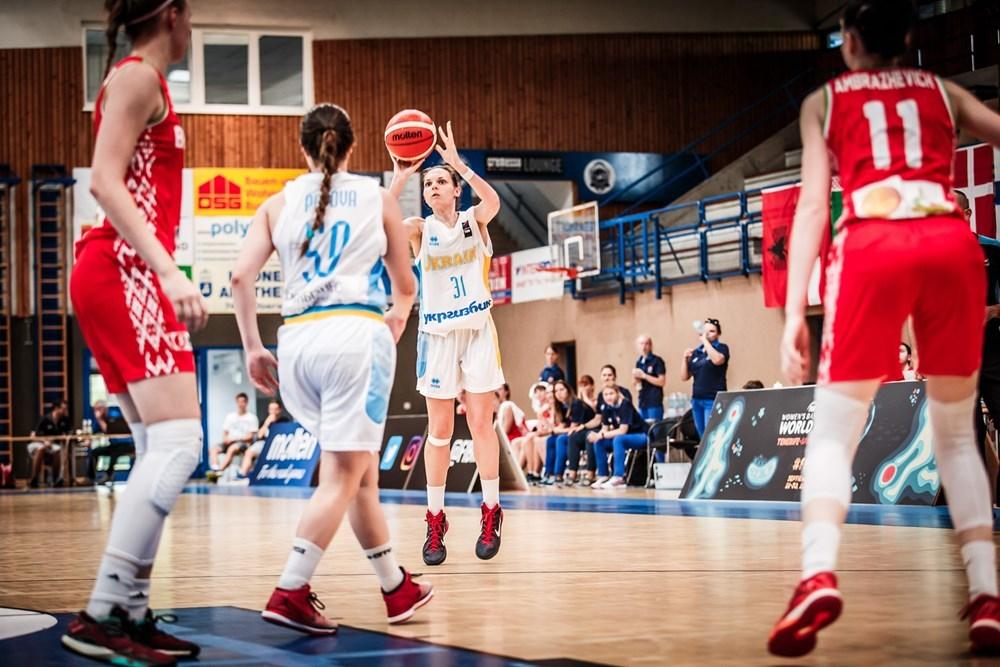 Перший матч жіночої збірної України U-18 на чемпіонаті Європи: фотогалерея