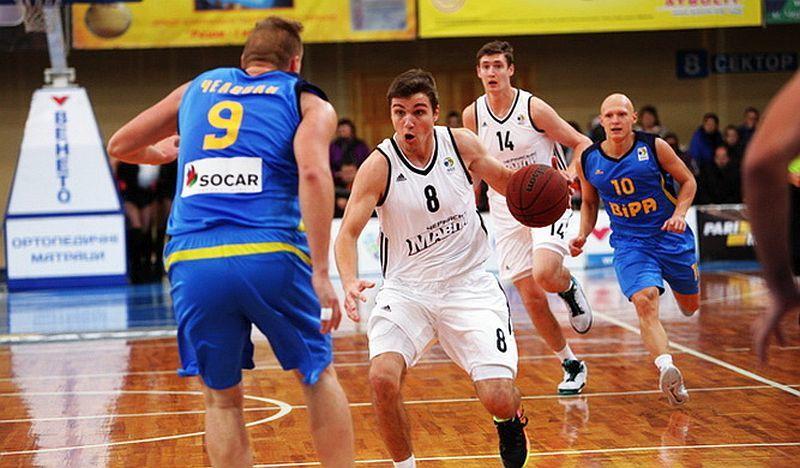Чемпіони України продовжили угоди з двома гравцями