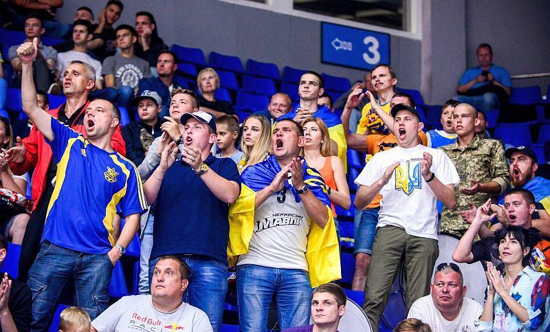 Квартал 95 запросив уболівальників на матч Україна – Іспанія: відео