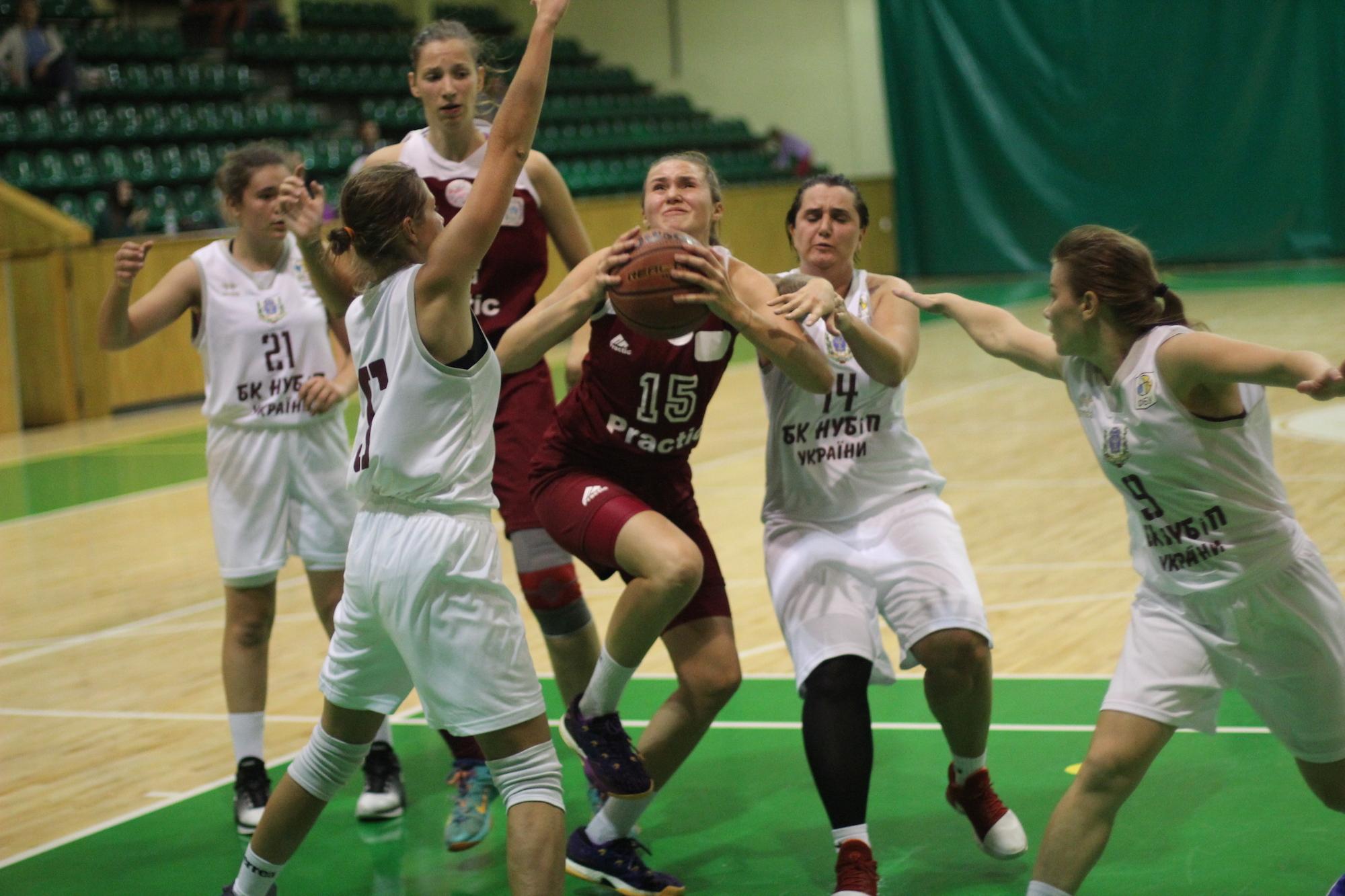 У Львові розпочався передсезонний турнір серед жіночих команд
