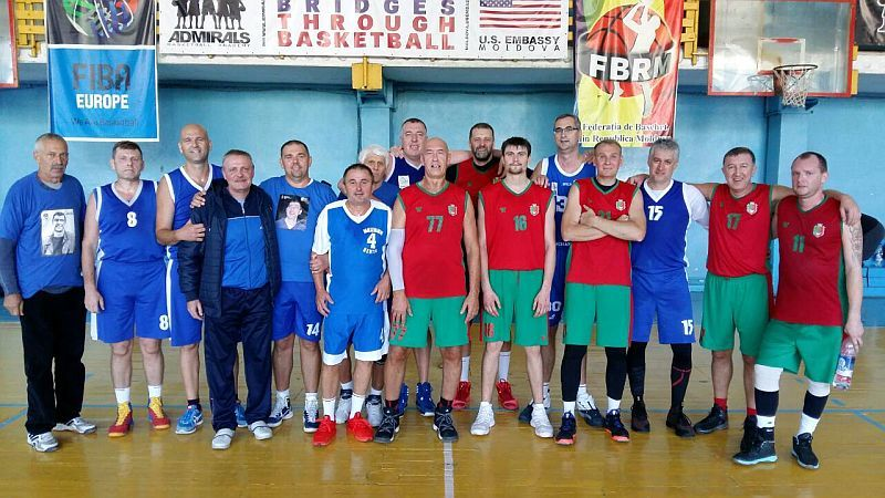 Українські ветерани зіграли на турнірі в Молдові