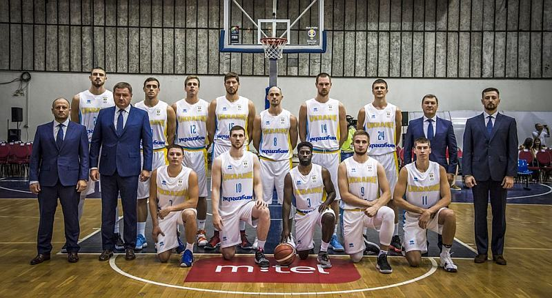 Триває продаж квитків на матч Україна – Словенія