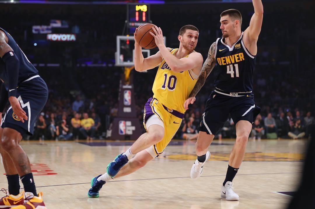 Передача Михайлюка в топ-5 моментів вечора в НБА