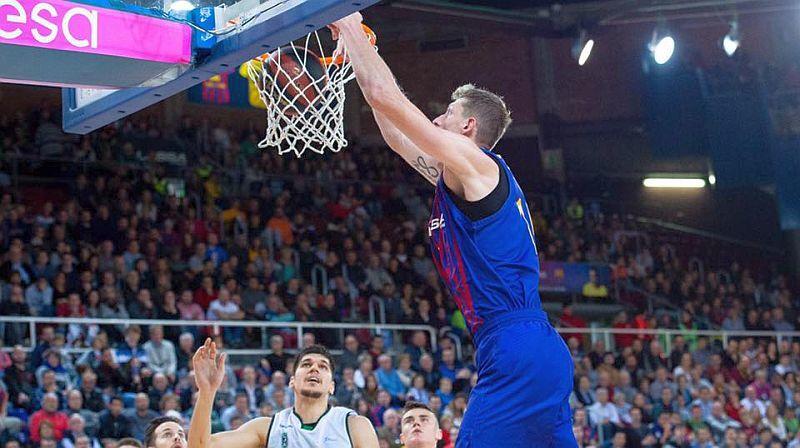 Українець допоміг Барселоні перемогти в чемпіонаті Іспанії