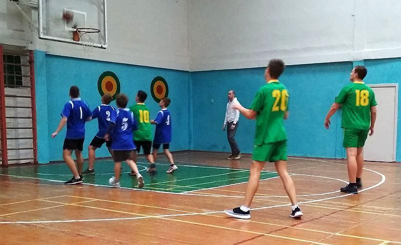 У Вінниці проходять баскетбольні змагання серед школярів