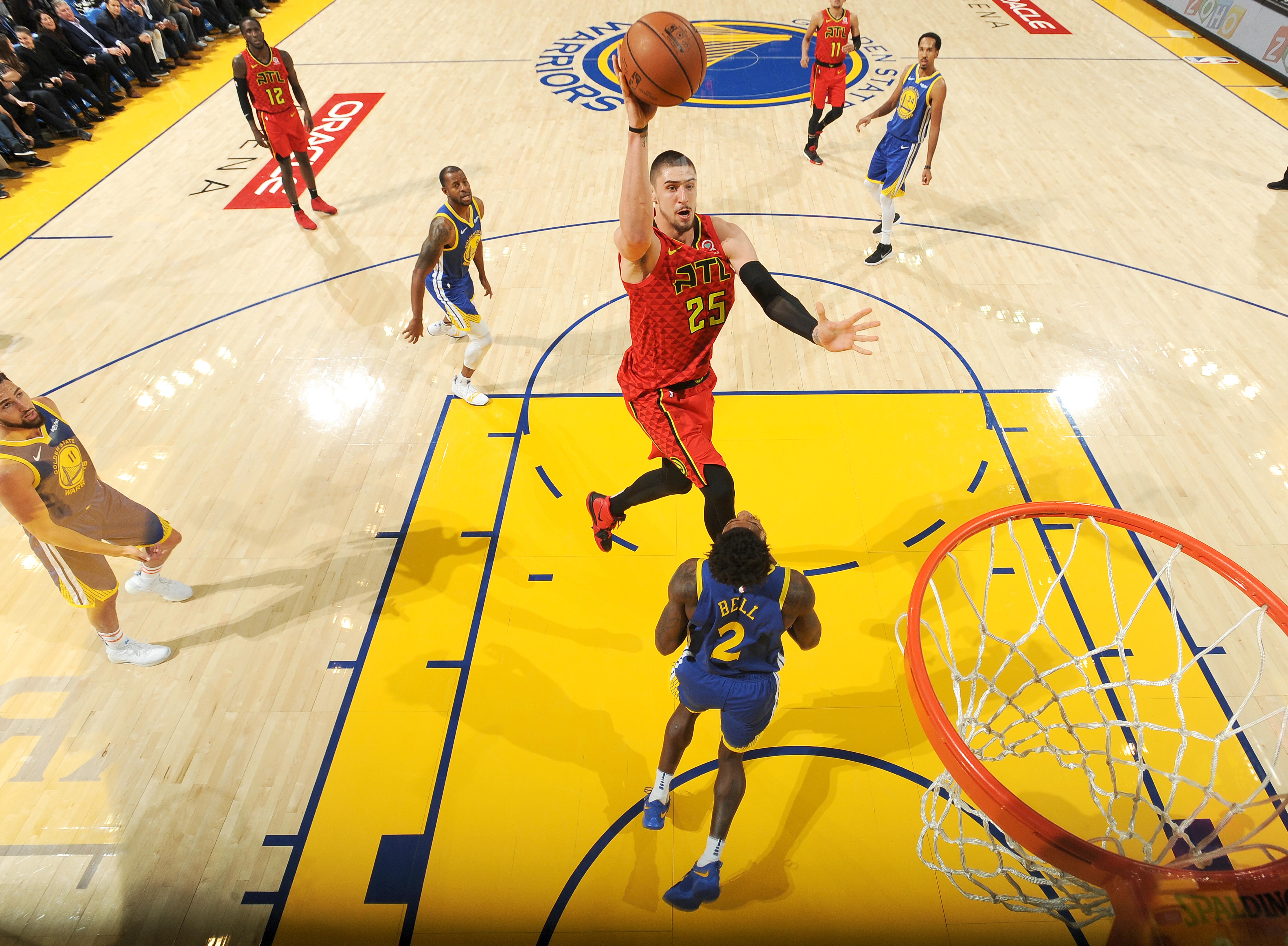 Лень набрав 14 очок у матчі проти чемпіонів НБА