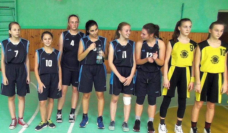 У Вінниці зіграли баскетбольні команди шкіл