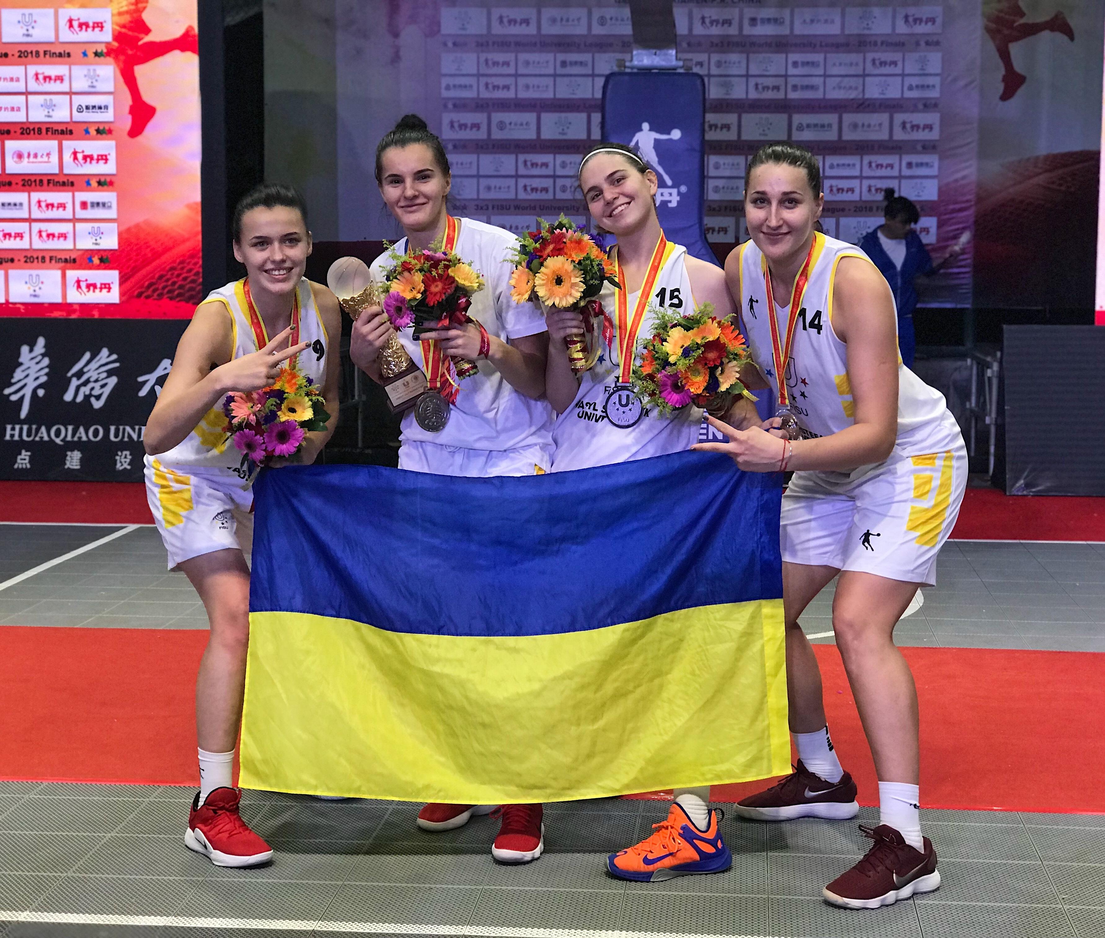 Другі в світі серед студенток: збірна України привезла срібло Всесвітньої університетської ліги 3х3