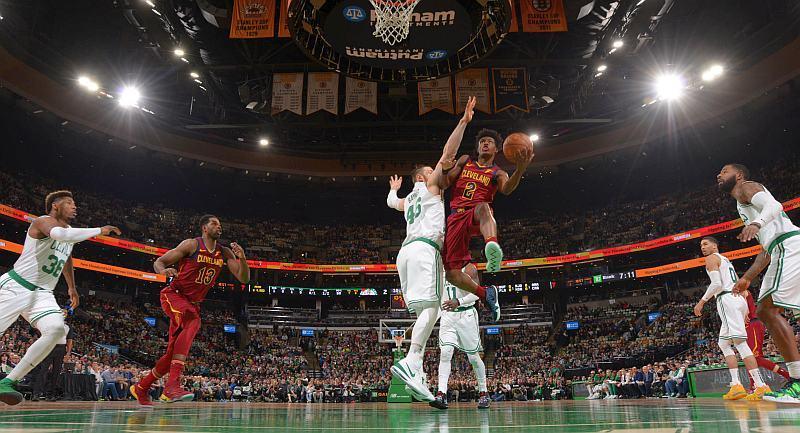 Найкращі данки та кросовери тижня в НБА