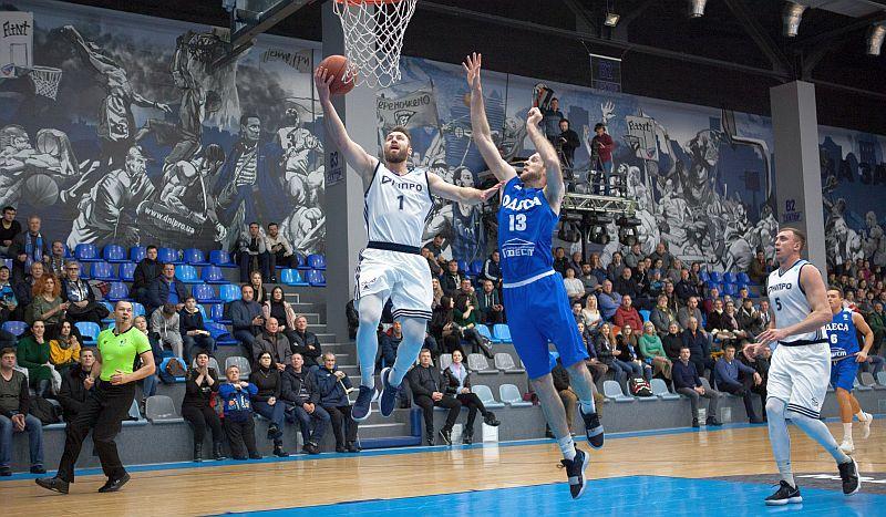 Дніпро вийшов у лідери чемпіонату України