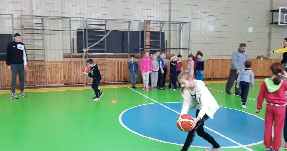 Київ-Баскет у дії: майстер-клас у столичній школі №46