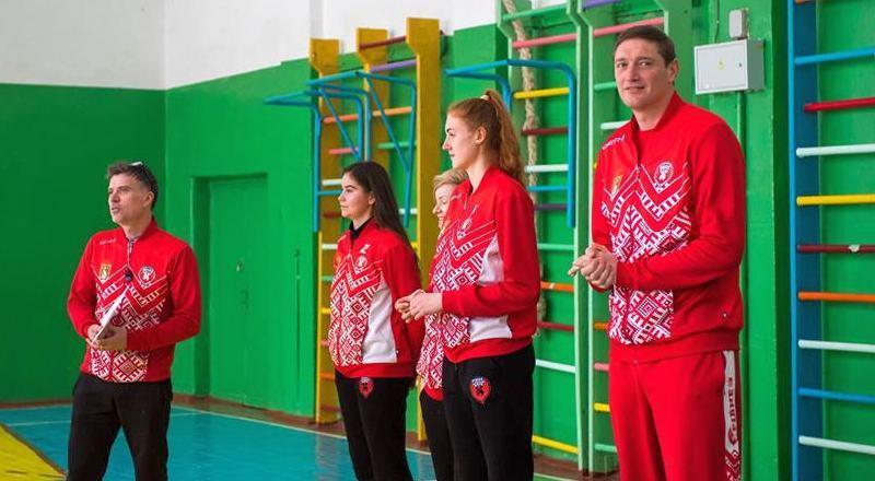 Президент БК Рівне провів урок баскетболу в рідній школі