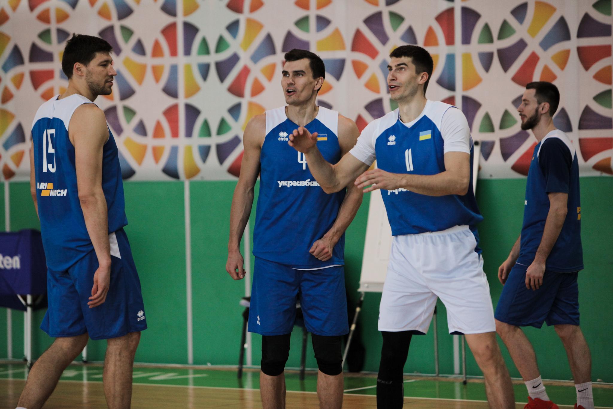 Збірна України провела відкрите тренування напередодні матчу з Чорногорією