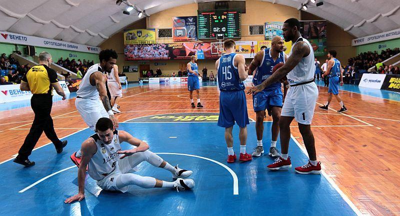 Як чемпіони програли вдома Миколаєву: фотогалерея матчу