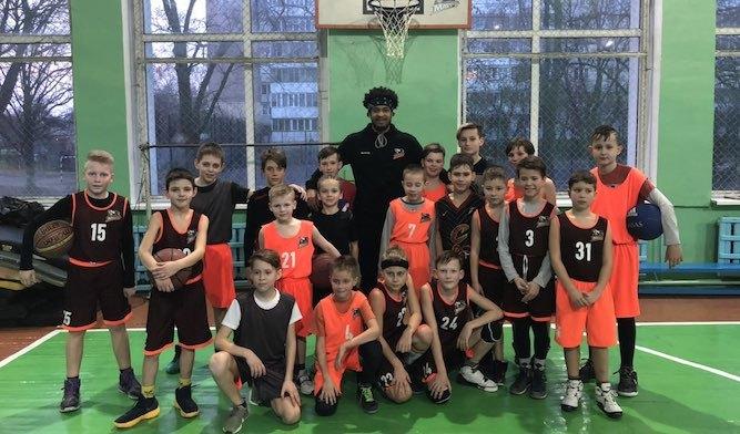 Черкаські Мавпи провели тренування з вихованцями баскетбольної школи