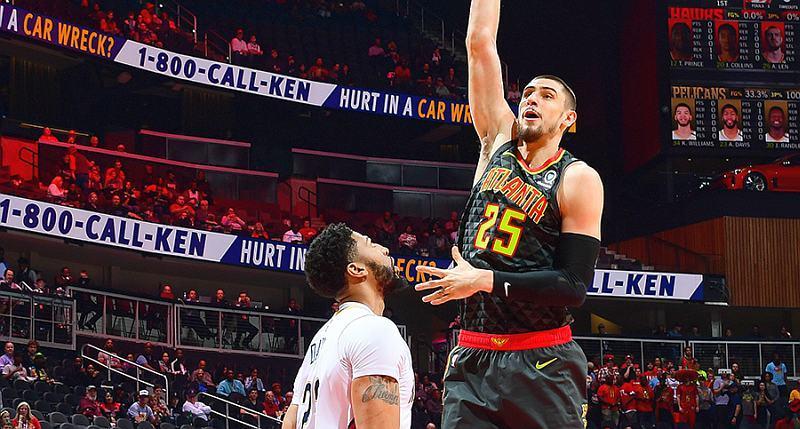 Українець Лень допоміг Атланті перемогти в НБА: відео моментів