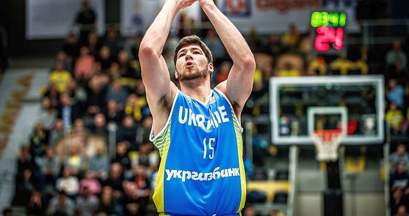 Капітан збірної України проводить конкурс серед уболівальників