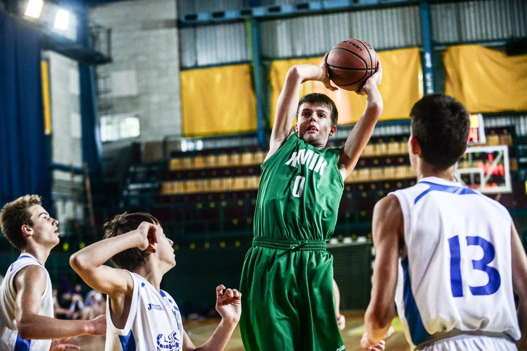 Валентин Мельничук: як захиститися від кидків здалеку