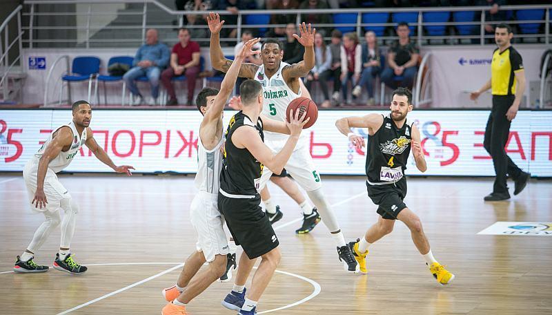 Запоріжжя переміг Київ-Баскет у другому матчі півфіналу: відео топ-моментів