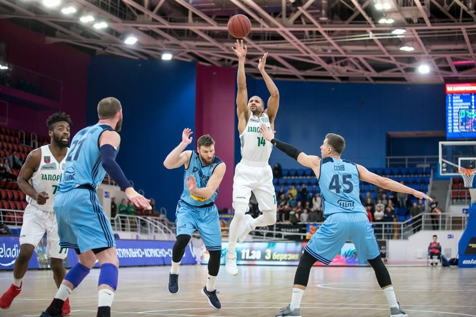 Запоріжжя розгромив Дніпро в першому матчі бронзової серії