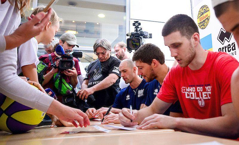 Український гравець НБА проведе автограф-сесію в Черкасах