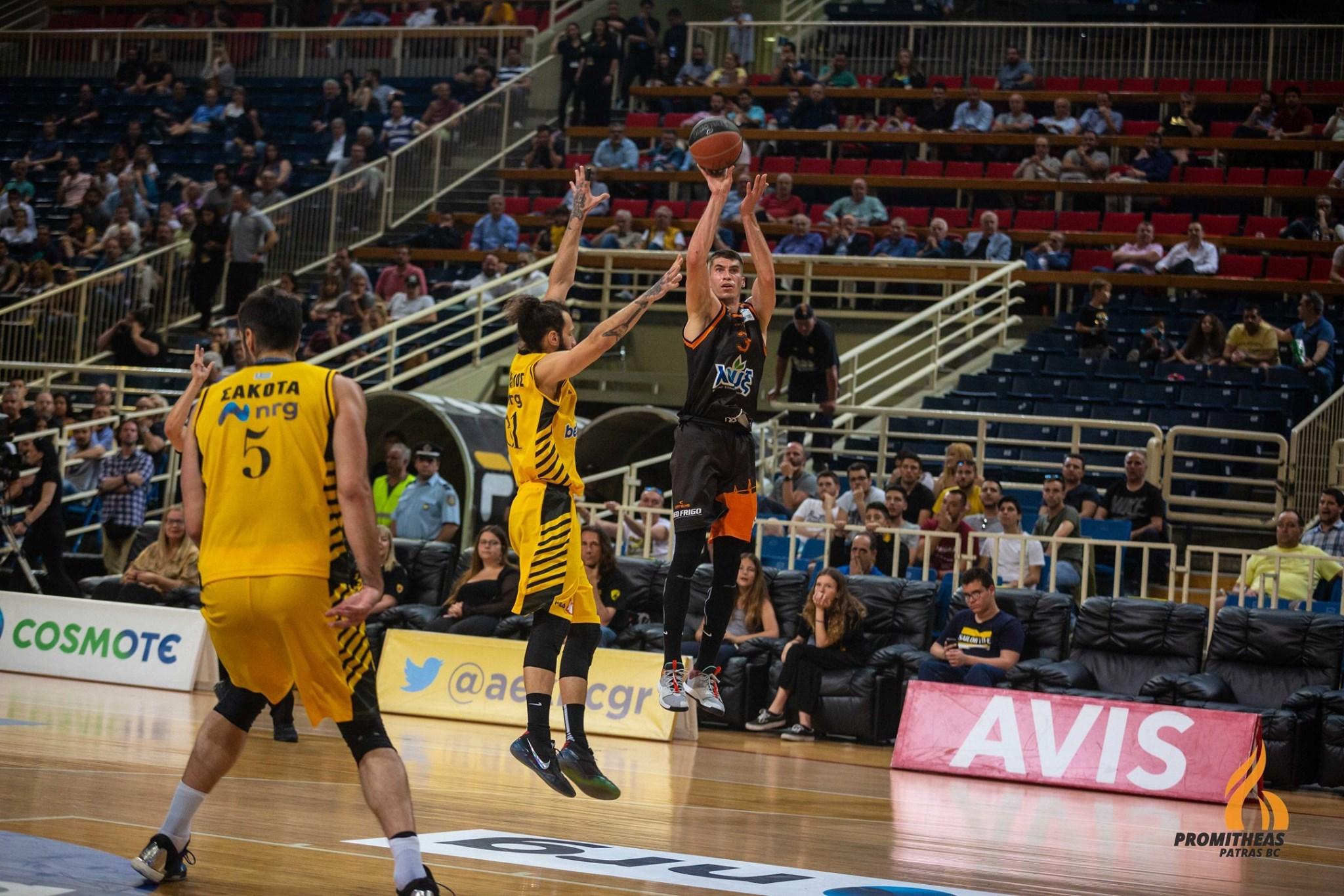 Олександр Липовий – у фіналі чемпіонату Греції, Артем Пустовий наблизився до фіналу в Іспанії